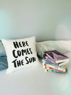 herecomesthesun theselection books pillow bed freetoedit
