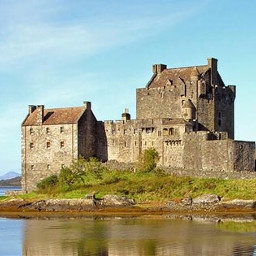 castle highlander eileendonan scotland